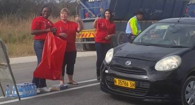 Ohorongo employees also used the opportunity to collect waste from motorists